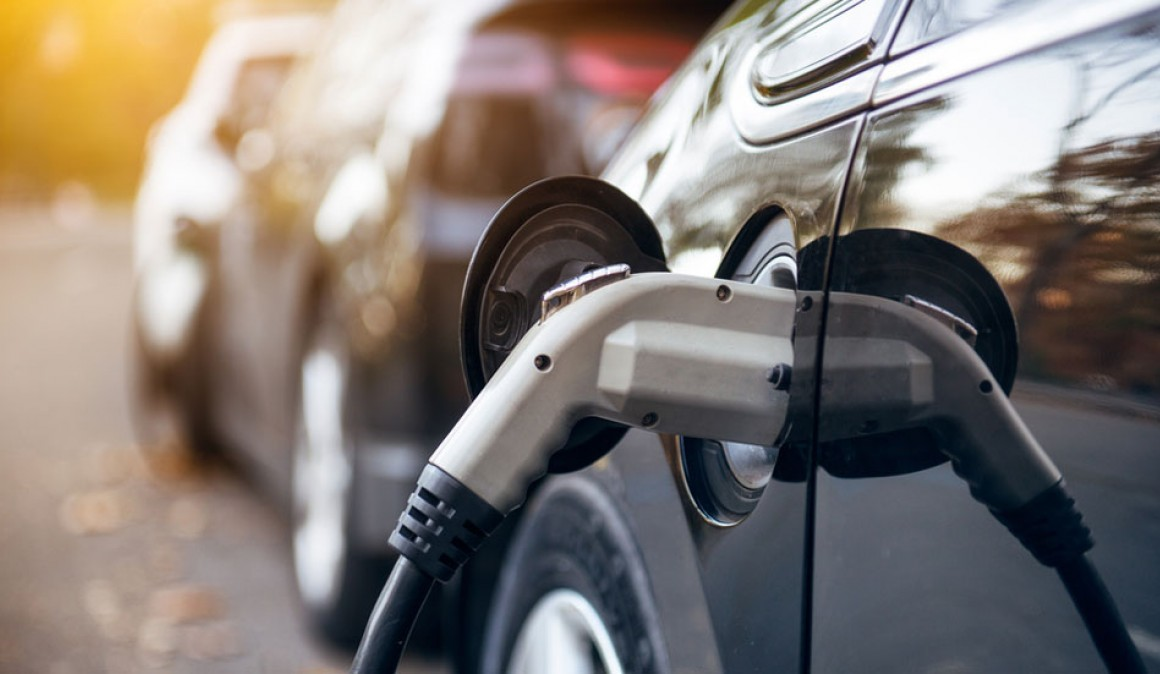 Ensuring an electric car, how much it costs compared to conventional?