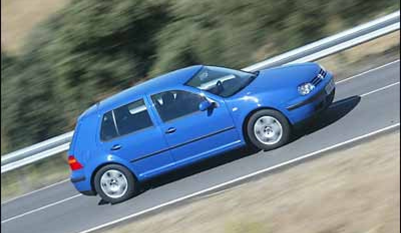 Volkswagen Golf 1.6 16V Highline 5p
