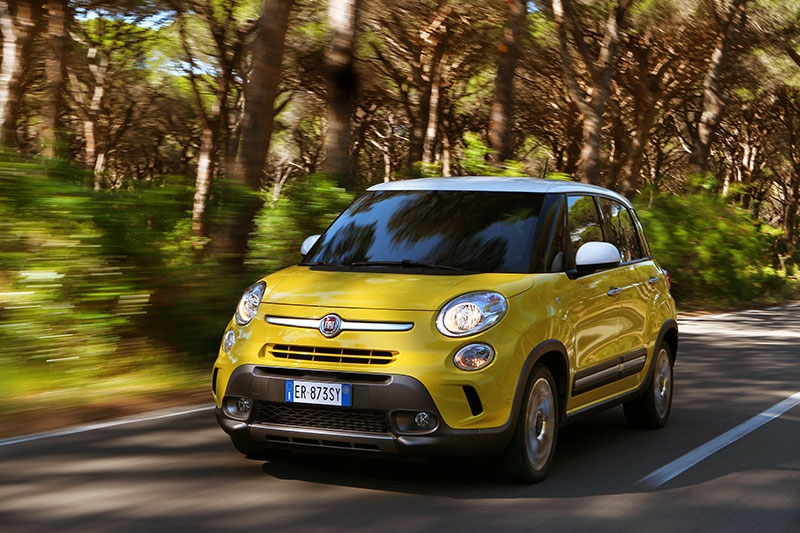 Contact: Trekking Fiat 500L Living and the family grows