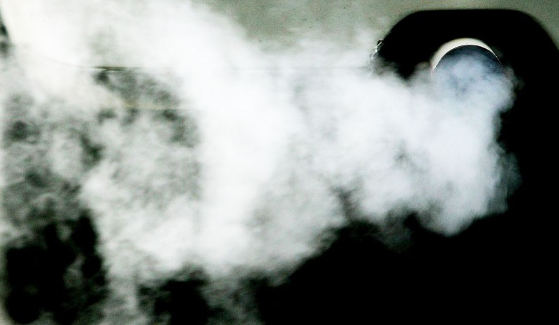 Exhaust smoke colors: meanings and breakdowns