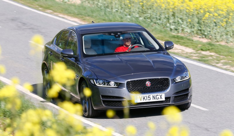 Contact: Jaguar XE, a turbo 240 horses worth