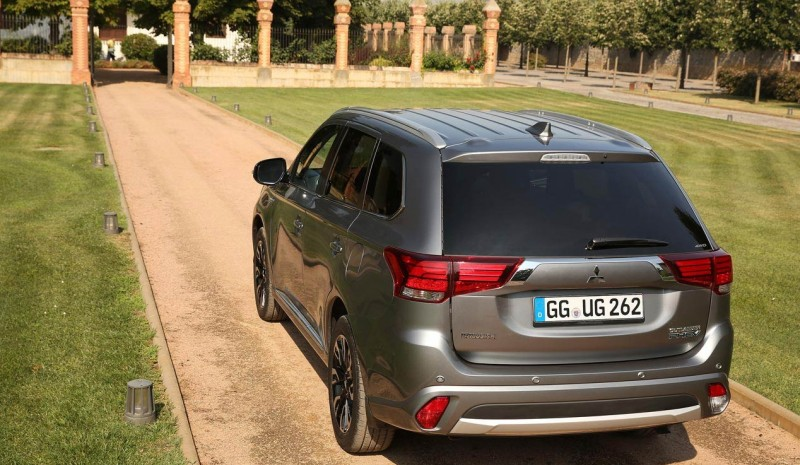 The 2016 Mitsubishi Outlander, already on sale in Spain