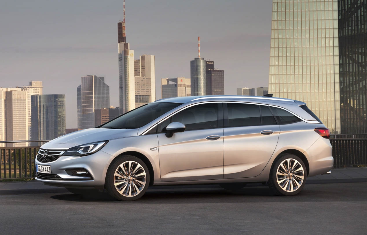 Opel Astra Sports Tourer 2015
