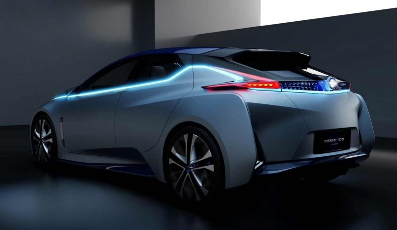 IDS Nissan Concept: driving alone and does not pollute