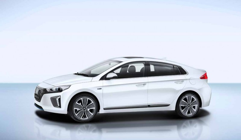 Ioniq Test Of The New Hyundai Hybrid In Pictures