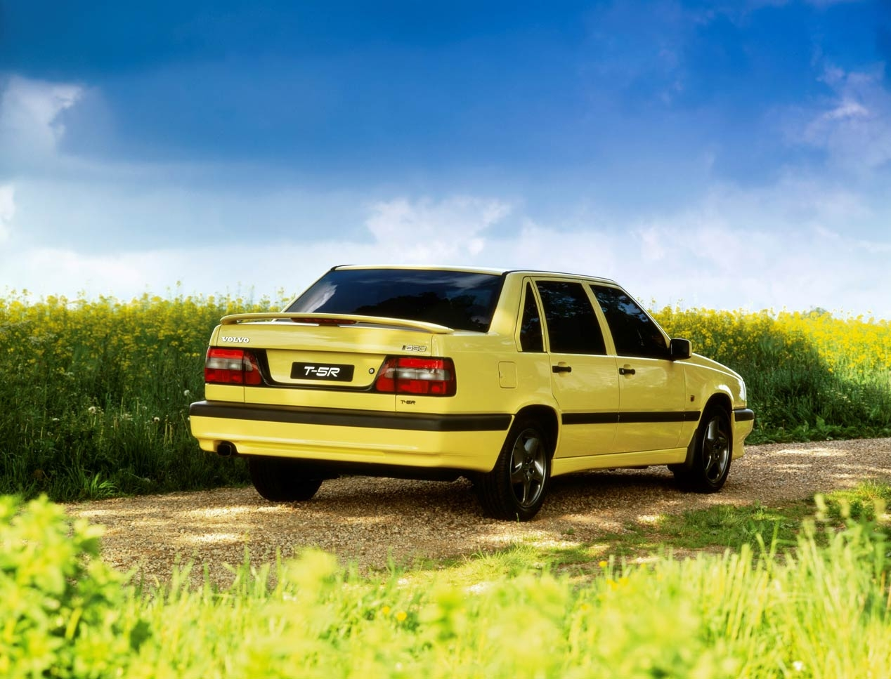 The Volvo 850 turns 25