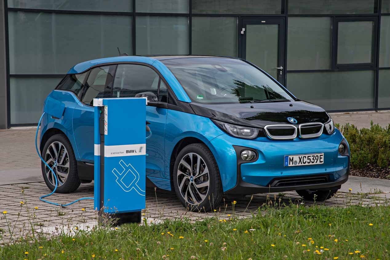 bmw i3 94ah prijzen nu met 300 km van autonomie. Black Bedroom Furniture Sets. Home Design Ideas
