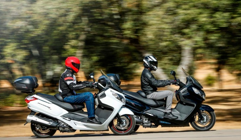 SYM 400i and 600i Maxsym, two alternatives to the car scooter
