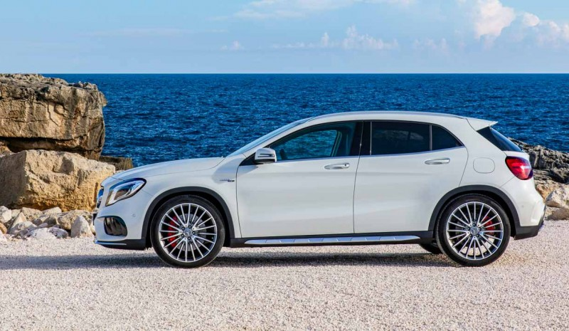 2017 Mercedes GLA, the compact SUV is renewed
