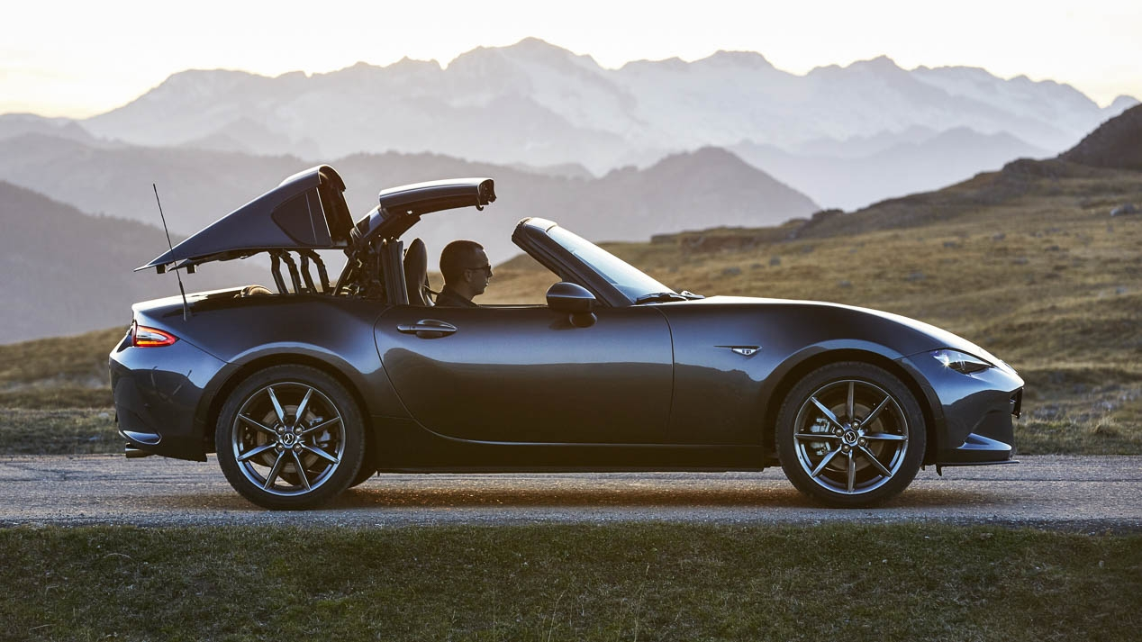 mazda mx 5 rf nous testons la nouvelle version toit rigide r tractable. Black Bedroom Furniture Sets. Home Design Ideas