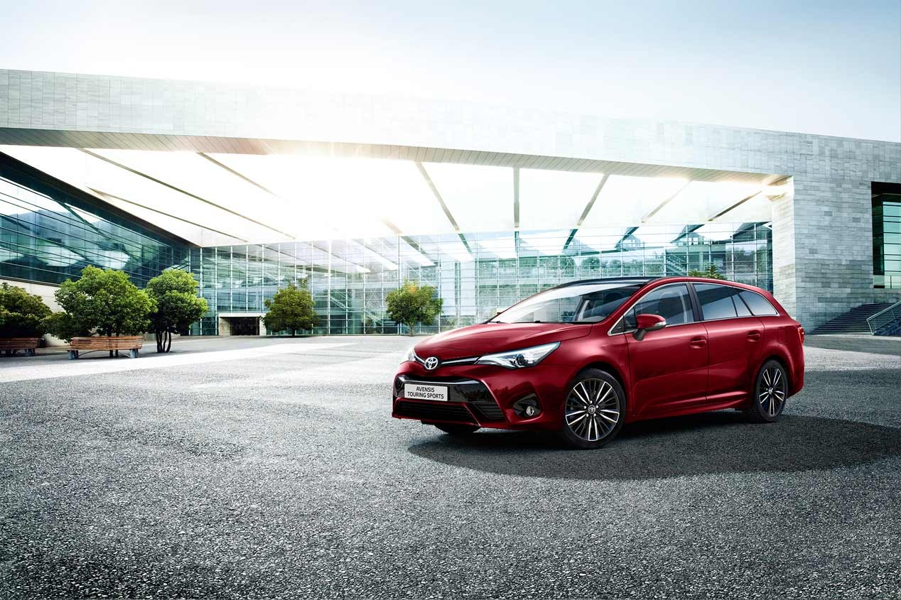 Toyota Avensis 2017 Famille