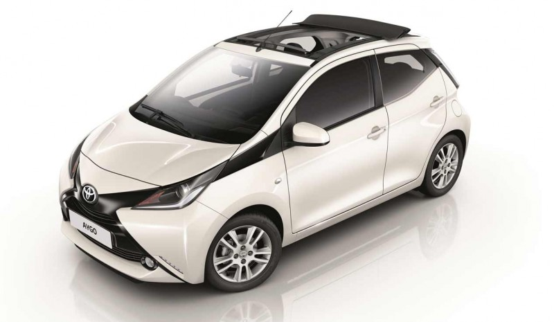 toyota aygo 2017 maintenant avec les nouvelles versions x ciel et x ondes. Black Bedroom Furniture Sets. Home Design Ideas