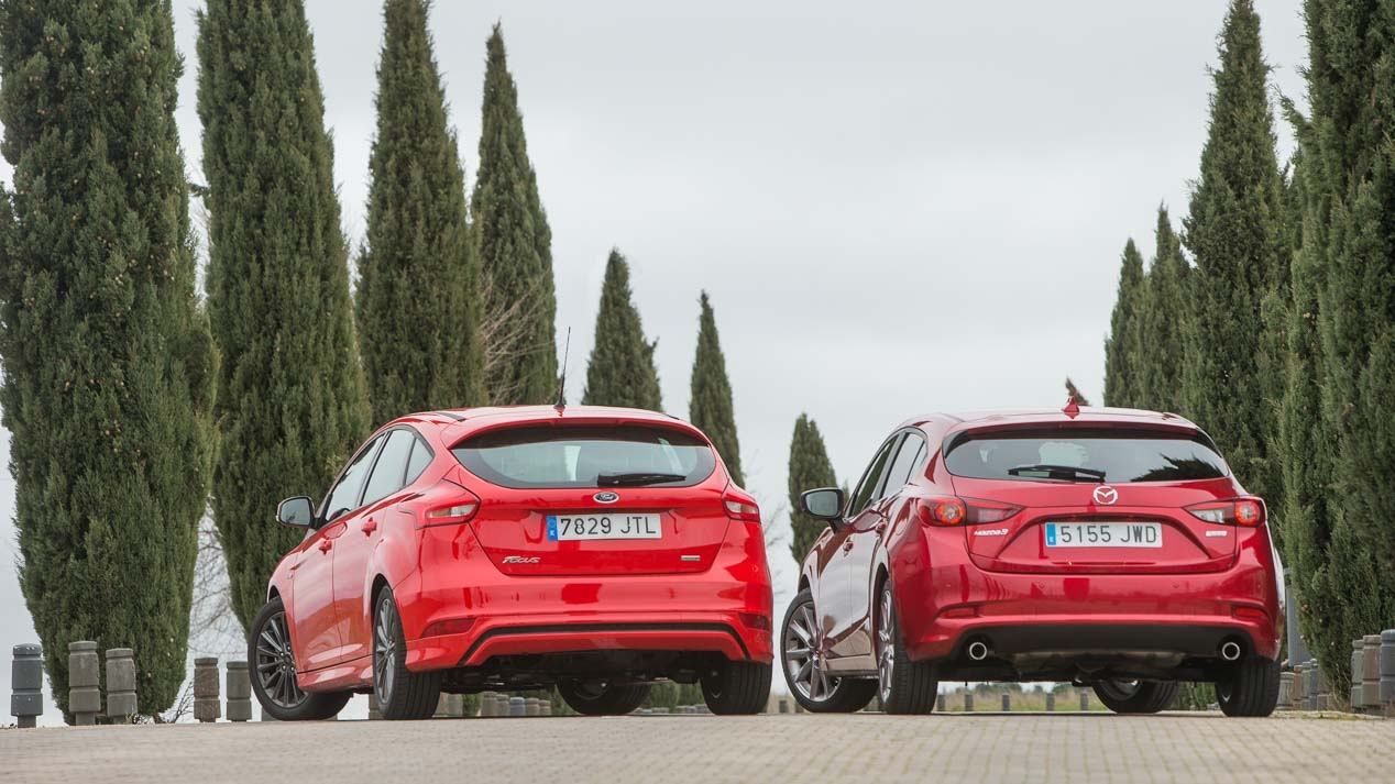 Ford Focus vs Mazda3