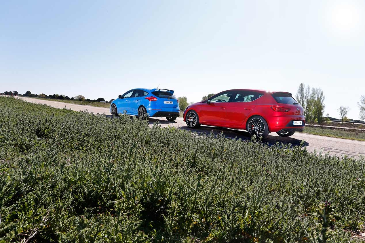 Ford Focus RS i Seat Leon Cupra